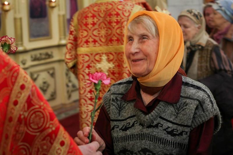 Подарок православной женщине на доставка свежих цветов спб